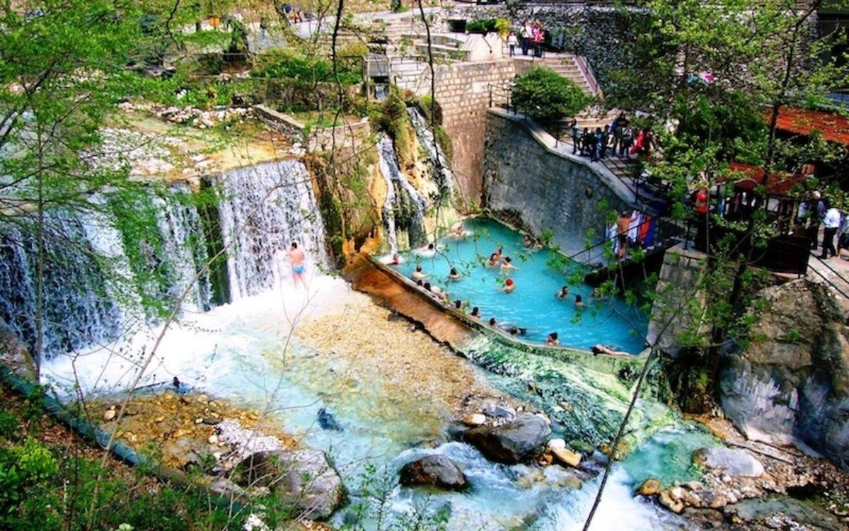Πέλλα: Πόλος έλξης για τουρίστες τα Λουτρά Ποζάρ – Αύξηση 70% στην επισκεψιμότητα!