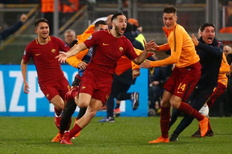 Champions League: Έλληνας Θεός! Υποκλίθηκε στον τεράστιο Μανωλά η Μπαρτσελόνα