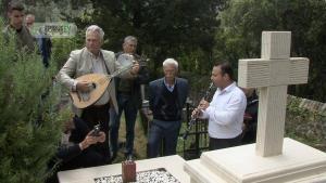 Θεσπρωτία: Τήρησαν και φέτος την παράδοση – Το ταφικό έθιμο που προκαλεί συγκίνηση [pic, vid]