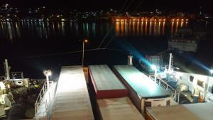 Κάλυμνος: Το απρόοπτο στο πλοίο Superfast XII και οι εικόνες που ακολούθησαν – Οι επιβάτες στα όριά τους [pics, vid]
