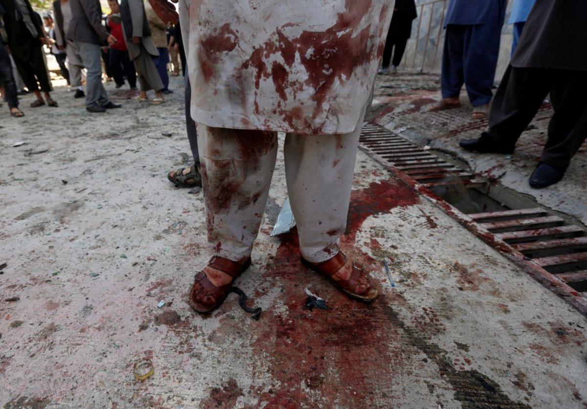 Σκληρές εικόνες! Έκρηξη καμικάζι σκόρπισε τον θάνατο – Τουλάχιστον 31 νεκροί