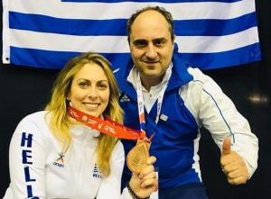 Ιστορικό μετάλλιο από Λουφάκη για την ελληνική γυναικεία ξιφασκία με αμαξίδιο!