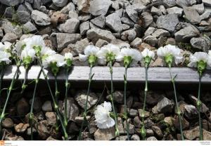 Αυστρία: Τίμησαν τους Έλληνες νεκρούς στο ναζιστικό στρατόπεδο Έμπενζεε