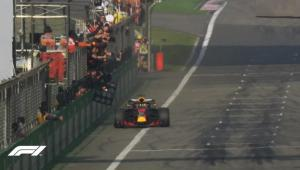 F1 – Κίνα: Ο Ρικιάρντο την έκπληξη! Σύγκρουση για Φέτελ [vid]