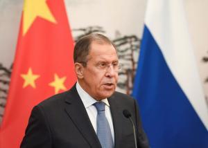 """Λαβρόφ: """"Δεν ξέρουμε αν θα στείλουμε S-300 στην Συρία"""" – Η απάντηση στον Μακρόν"""