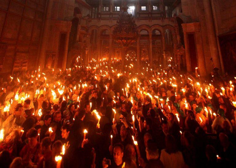 Στα Ιεροσόλυμα ελληνική αντιπροσωπεία για την Τελετή Αφής του Αγίου Φωτός