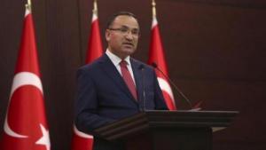 """""""Πυρά"""" και απειλές Μποζντάγ για τους """"οχτώ"""": Η Τουρκία θα απαντήσει σε όποιον ενεργεί εναντίον της"""
