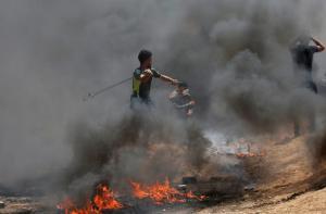 Αναταραχές στη Γάζα: Φωτιές, χημικά και τραυματίες