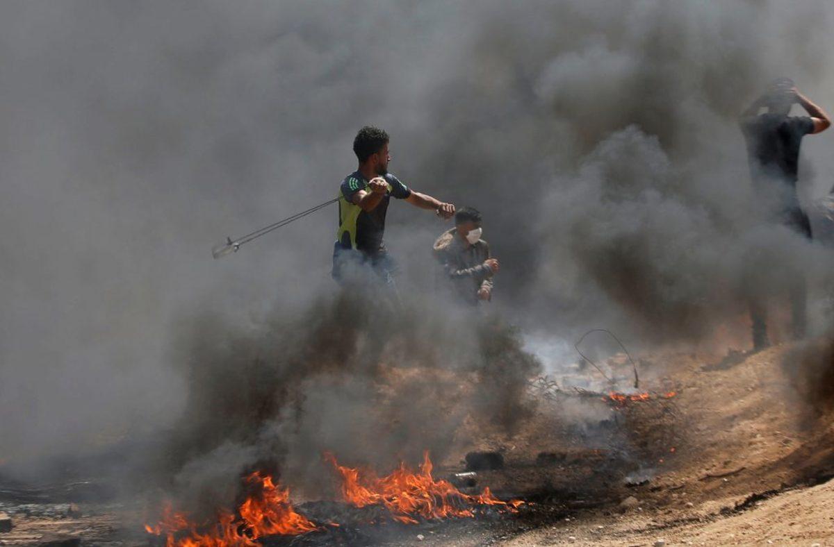 """""""Μαύρες"""" αναταραχές στη Γάζα: Φωτιές, χημικά και τραυματίες! Έκαψαν αμερικανικές σημαίες και λάστιχα - Δείτε LIVE εικόνα"""