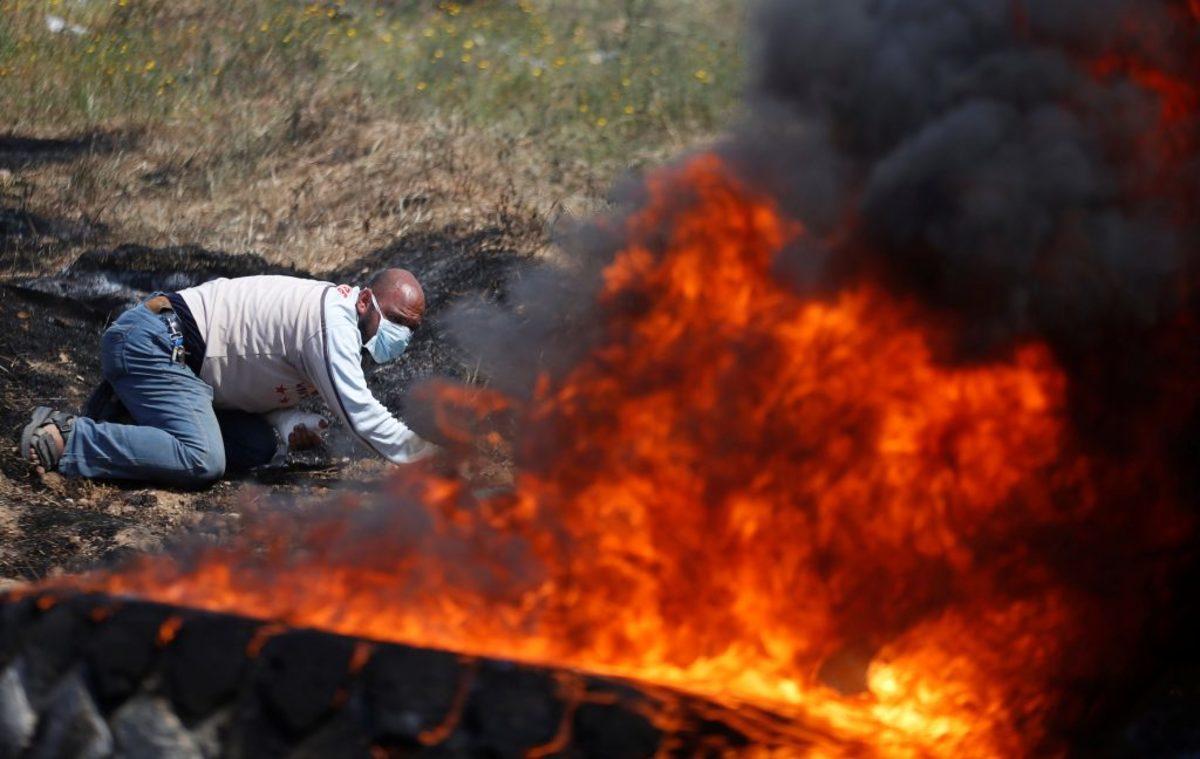 """Γάζα: Νέο λουτρό αίματος! """"Πόλεμος"""" για ώρες ανάμεσα σε Παλαιστίνιους και ισραηλινό στρατό - Πολλοί νεκροί και εκατοντάδες τραυματίες"""