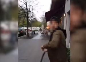 Σοκαριστικό βίντεο με ρατσιστική επίθεση σε Εβραίο – Βγάζει την ζώνη του και τον μαστιγώνει!