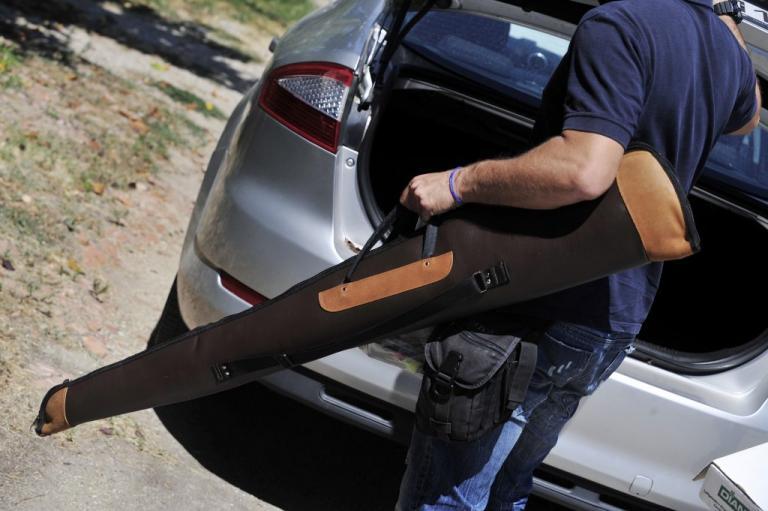 Σοκ στη Λάρισα: Αυτοπυροβολήθηκε με καραμπίνα ενώ η οικογένειά του ήταν στην αυλή