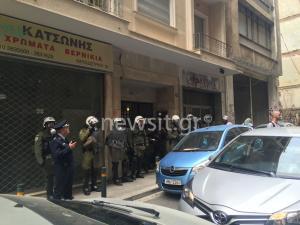 Πλειστηριασμοί: Συγκέντρωση της ΛΑΕ έξω από συμβολαιογραφείο