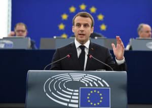 """Ομιλία – ορόσημο από Μακρόν για την """"νέα Ευρώπη"""" – """"Δημοκρατία εναντίον αυταρχισμού"""""""