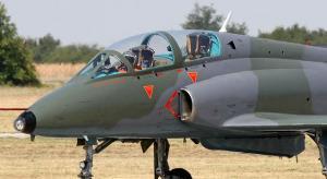 Πτώση στρατιωτικού αεροσκάφους στη Σερβία – Νεκρός ο ένας πιλότος