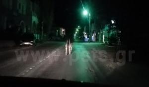 Ξενύχτης γάιδαρος έκανε βόλτες στην Πάρο [vid]