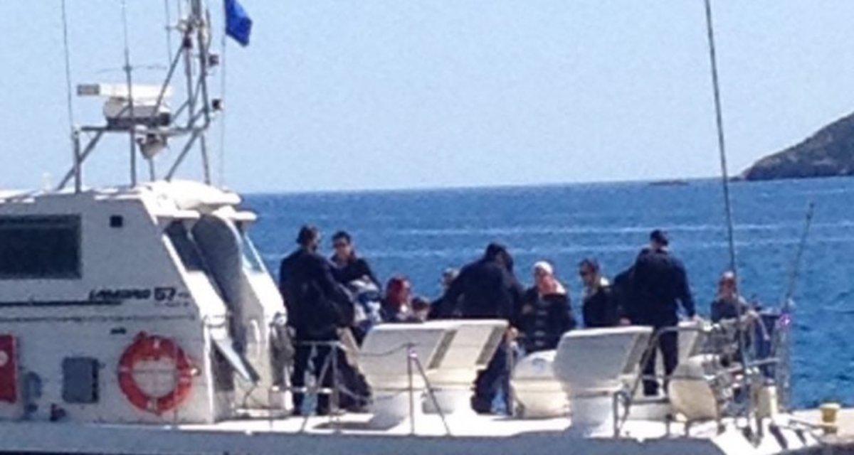 Με σκάφος του Λιμενικού στην Τήλο ο Αλέξης Τσίπρας – Η θερμή υποδοχή και τα σχέδιά του [pics]
