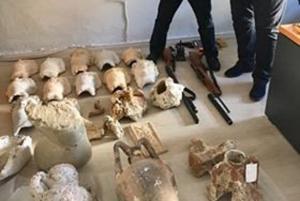 Θεσπρωτία: Γερμανός είχε στο σπίτι του ένα μικρό… μουσείο! [pics]