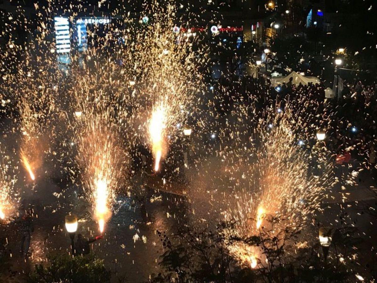 Αγρίνιο: Έγινε η νύχτα... μέρα! Φαντασμαγορικό το θέαμα των Χαλκουνιών [pics, vids]