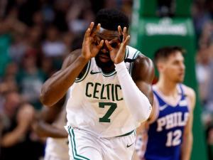 """NBA: Στους τελικούς της Ανατολής οι Σέλτικς! """"Καθάρισαν"""" τους Σίξερς [vid]"""