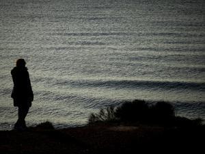 Ιεράπετρα: Έχασε την ισορροπία της, έπεσε στη θάλασσα και πνίγηκε – Ανασύρθηκε νεκρή η γυναίκα!