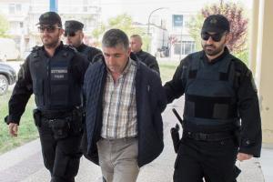 Έβρος: Νέες εικόνες με τον Τούρκο που συνελήφθη – Στα δικαστήρια για να απολογηθεί στην εισαγγελέα [pics]