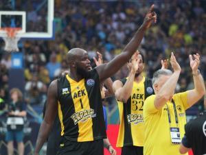 Basketball Champions League: Στην κορυφή του Top 5 η τάπα του Ντελρόι Τζέιμς [vid]