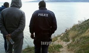 Βόλος: Τρόμος στο τιμόνι – Αυτοκίνητο με μάνα και παιδί κατέληξε στα βράχια της θάλασσας!