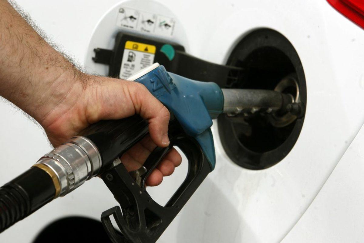 βενζίνη τιμή