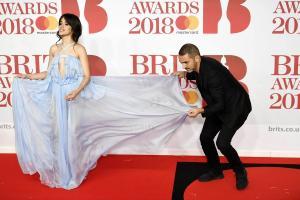 Camila Cabello: Στο νοσοκομείο – Ακύρωσε συναυλία με την Taylor Swift