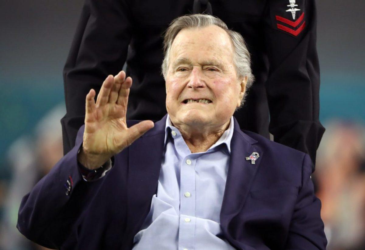 Στο νοσοκομείο πάλι ο 93χρονος Τζορτζ Μπους – Διαγνώστηκε με υπόταση και κόπωση
