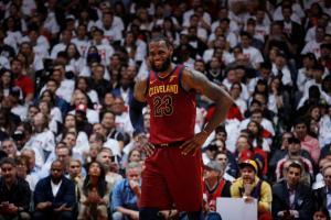 NBA: Break με τρομερό Λεμπρόν οι Καβαλίερς! Επέστρεψε για το 2-0 ο Κάρι [vids]