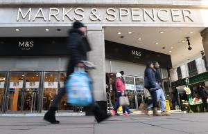 Marks & Spencer: Λουκέτο σε 100 καταστήματα