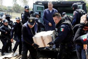 Μεξικό: Συνέλαβαν τη σύζυγο του αρχιβαρόνου ναρκωτικών – Δούλευε στο πόδι του