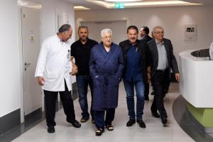 Εξιτήριο για τον Μαχμούντ Αμπάς – Ξεπέρασε την πνευμονία