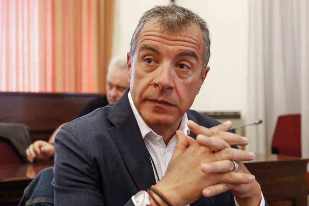 Θεοδωράκης: Δεν μπορούμε να αθωώνουμε όσους ασκούν βία