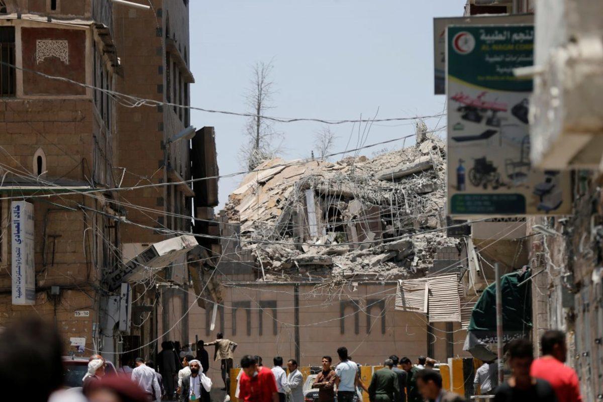 Υεμένη: Βομβάρδισαν το προεδρικό μέγαρο! Τουλάχιστον έξι νεκροί [pics]