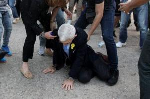 Θεσσαλονίκη: Ο Γιάννης Μπουτάρης λύνει τη σιωπή του μετά την επίθεση – Νέες εικόνες – Αποθεώνει τους δράστες η Ουρανία Μιχαλολιάκου [pics, vids]