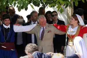 Κρήτη: Ο πρίγκιπας Κάρολος και η καλλονή φοιτήτρια που τον εντυπωσίασε – Η ερώτηση που προκάλεσε χαμόγελα [pics]