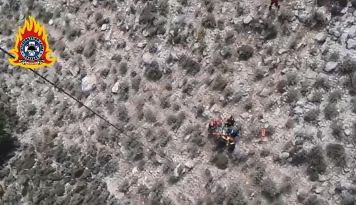 Η στιγμή της διάσωσης του 19χρονου Ολλανδού στο όρος Βαράσοβα [vid]