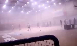 Σύρραξη και επεισόδια στην ΕΣΚΑ! Οπαδοί διέκοψαν τον αγώνα ΟΚΑΜ – Νήαρ Ηστ [vid, pics]