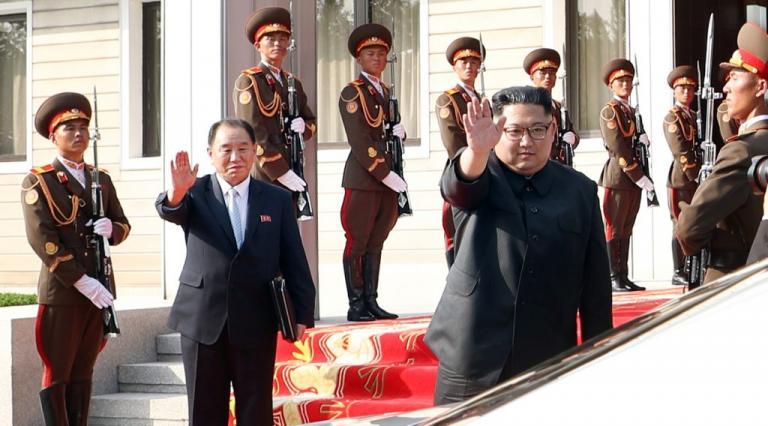 Ο Κιμ Γιονγκ Ουν στέλνει στον Τραμπ έναν… κατάσκοπο