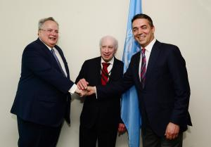 Σκοπιανό: Ξεκίνησε η κρίσιμη συνάντηση του Κοτζιά με τον Ντιμιτρόφ! Αυτά είναι τα ονόματα που διαπραγματεύονται