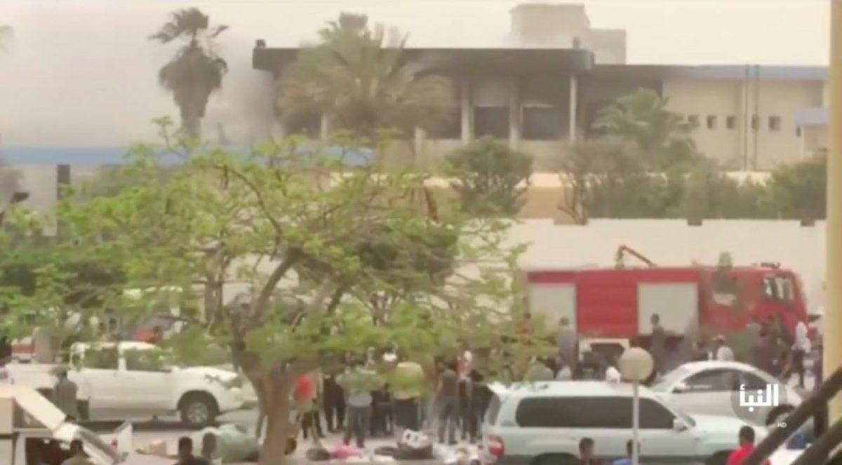 Λιβύη: Το Ισλαμικό Κράτος ανέλαβε την ευθύνη για την επίθεση καμικάζι στην Τρίπολη – 12 οι νεκροί
