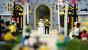 Ο γάμος του πρίγκιπα Χάρι και της Μέγκαν Μαρκλ με Lego!