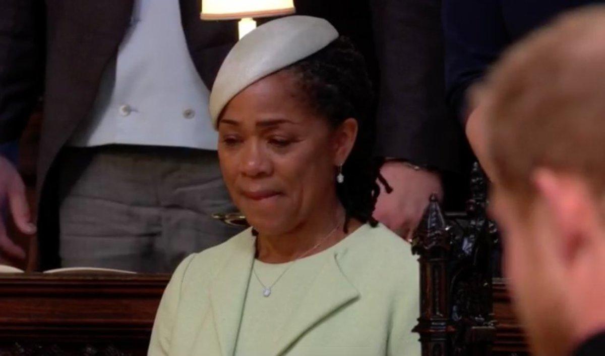 Πριγκιπικός γάμος: Συγκινημένη η μητέρα της Μέγκαν Μαρκλ – Δεν μπορούσε να σταματήσει να κλαίει