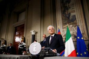 """Ολοταχώς για εκλογές η Ιταλία! Νέο """"άκυρο"""" Ματταρέλλα στον ευρωσκεπτικιστή ΥΠΟΙΚ"""
