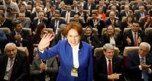 """Μεράλ Ακσενέρ: H """"Γκρίζα Λύκαινα"""" που θέλει να """"εξοντώσει"""" τον Ερντογάν"""