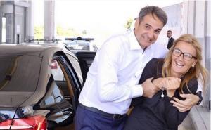 Κυριάκος Μητσοτάκης: Το απρόοπτο στο ταξίδι για την Ίμβρο και η «ένοχη» Μαρέβα [pic]