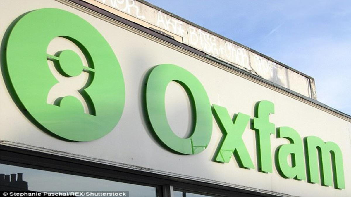 Ντου του Ρουβίκωνα στα γραφεία της Oxfam